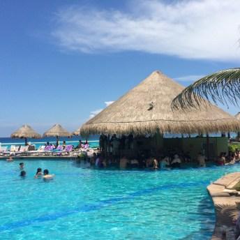 Pool Bar Hotel Paradisus Cancun
