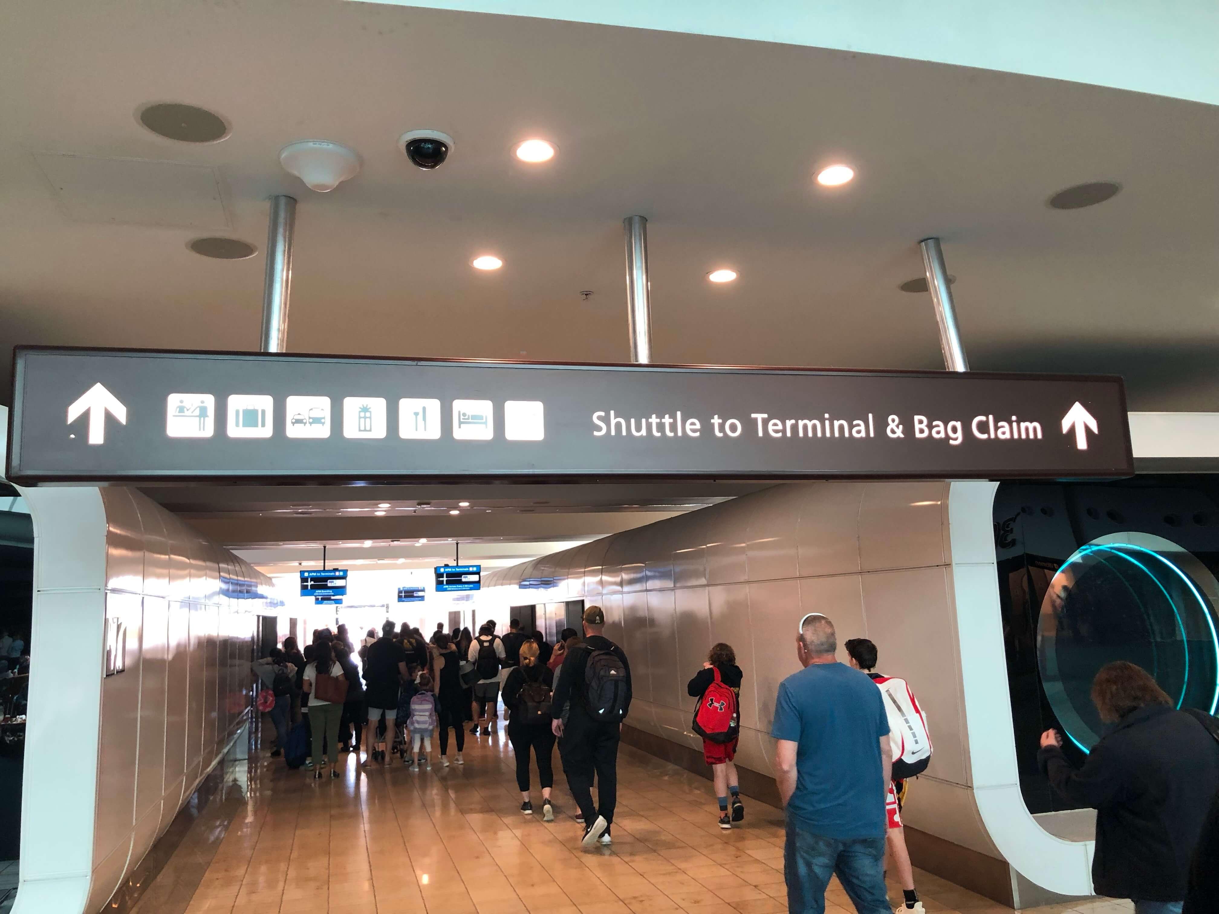 Shuttle train MAGIC KINGDOM