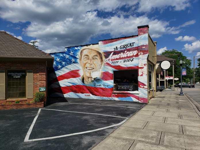 Ronald Reagan building mural