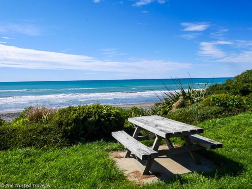 The perfect picnic spot in Gore Bay - Driving from Christchurch to Marlborough - The Trusted Traveller