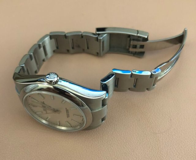 Rolex Oyster Perpetual 39 (courtesy thetruthaboutwatches.com)