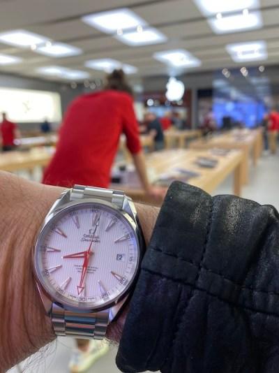 OMEGA Aqua Terra Apple Store