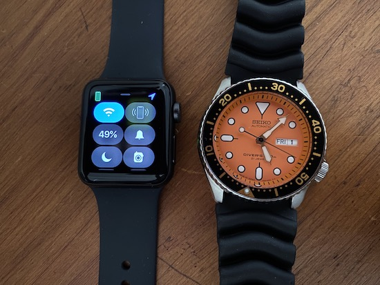 Traditional Watch vs. A Smart Watch: Apple Watch 4 vs. SEIKO Diver