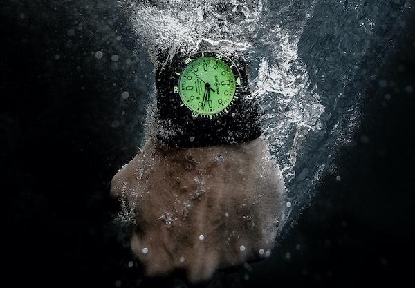 B&R DIVER FULL LUME underwater