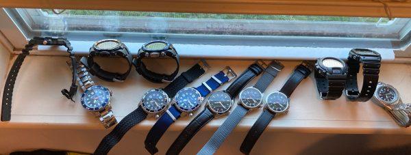 Sunbathing solar watch or 12