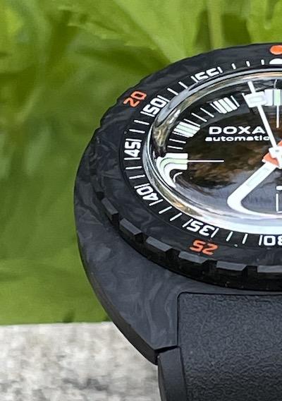 DOXA SUB 300 Carbon carbon