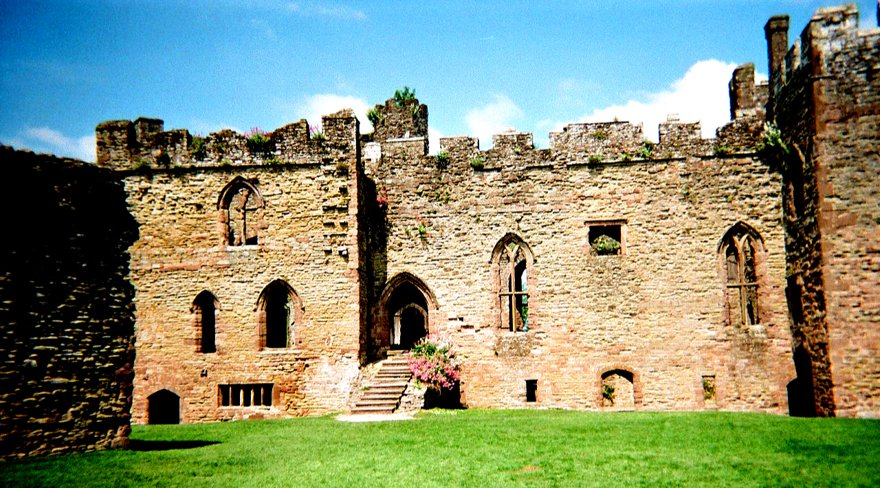 Ludlow castle: Great Hall and Solar block