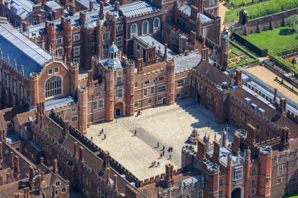 A Tudor palace - Hampton Court's Base Court