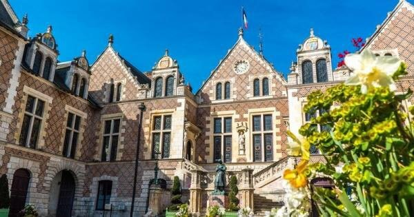 Hôtel Groslot, Orléans, France, where Mary, Queen of Scots's husband died.