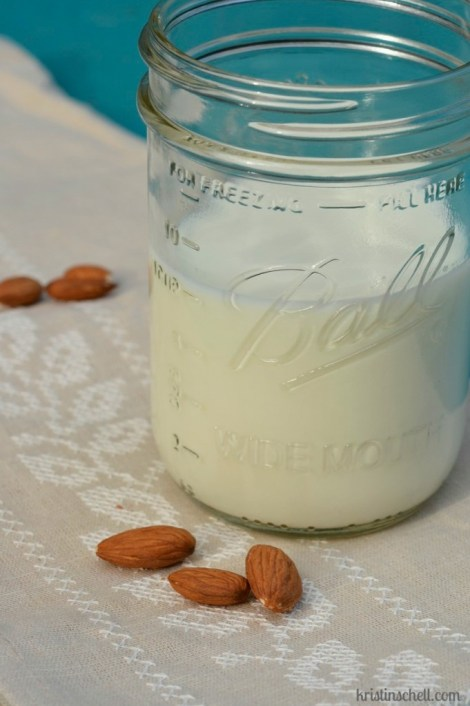 How to make homemade almond milk | kristinschell.com