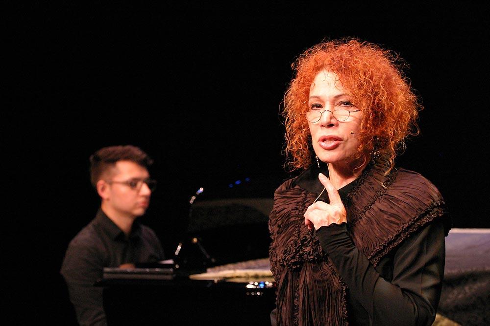 Manuel Arellano-Julia Arellano