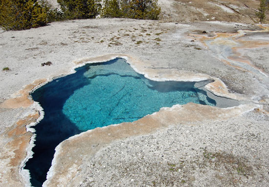 yellowstone blue star spring