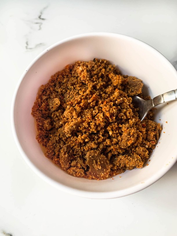 red brown dry peanut garlic and chilli chutney - powder like to serve with vada pav