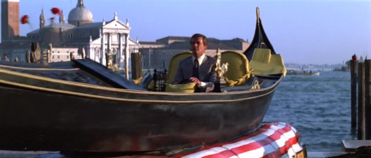 James.Bond.Moonraker.1979.720p.BRrip.x264.YIFY_Moment4.jpg
