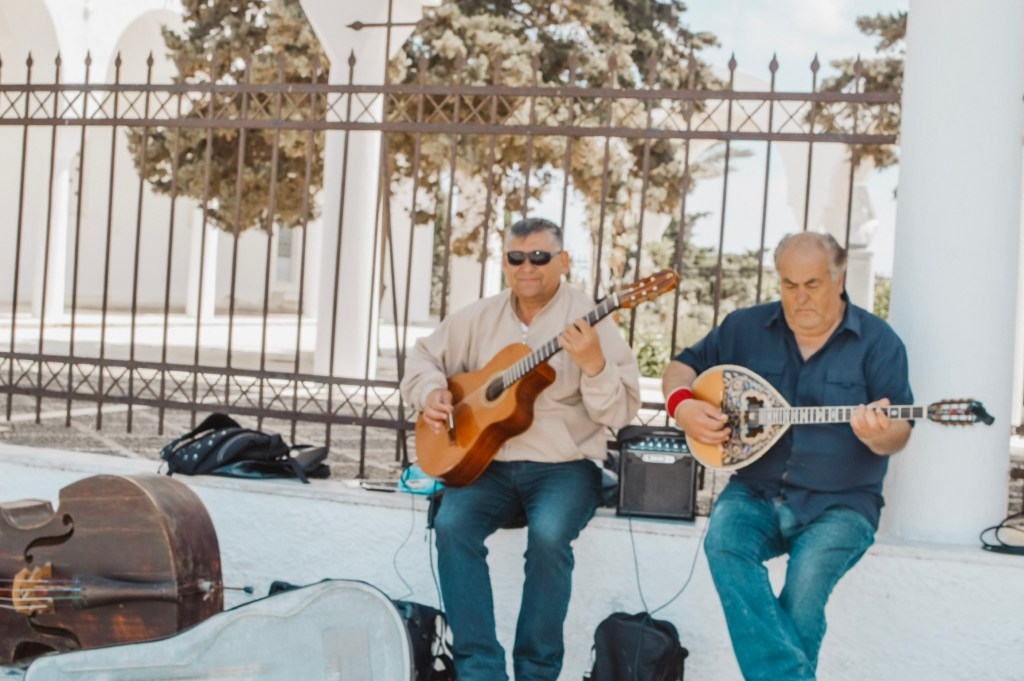 Guitarists - Music in Santorini - The Twins of Travel