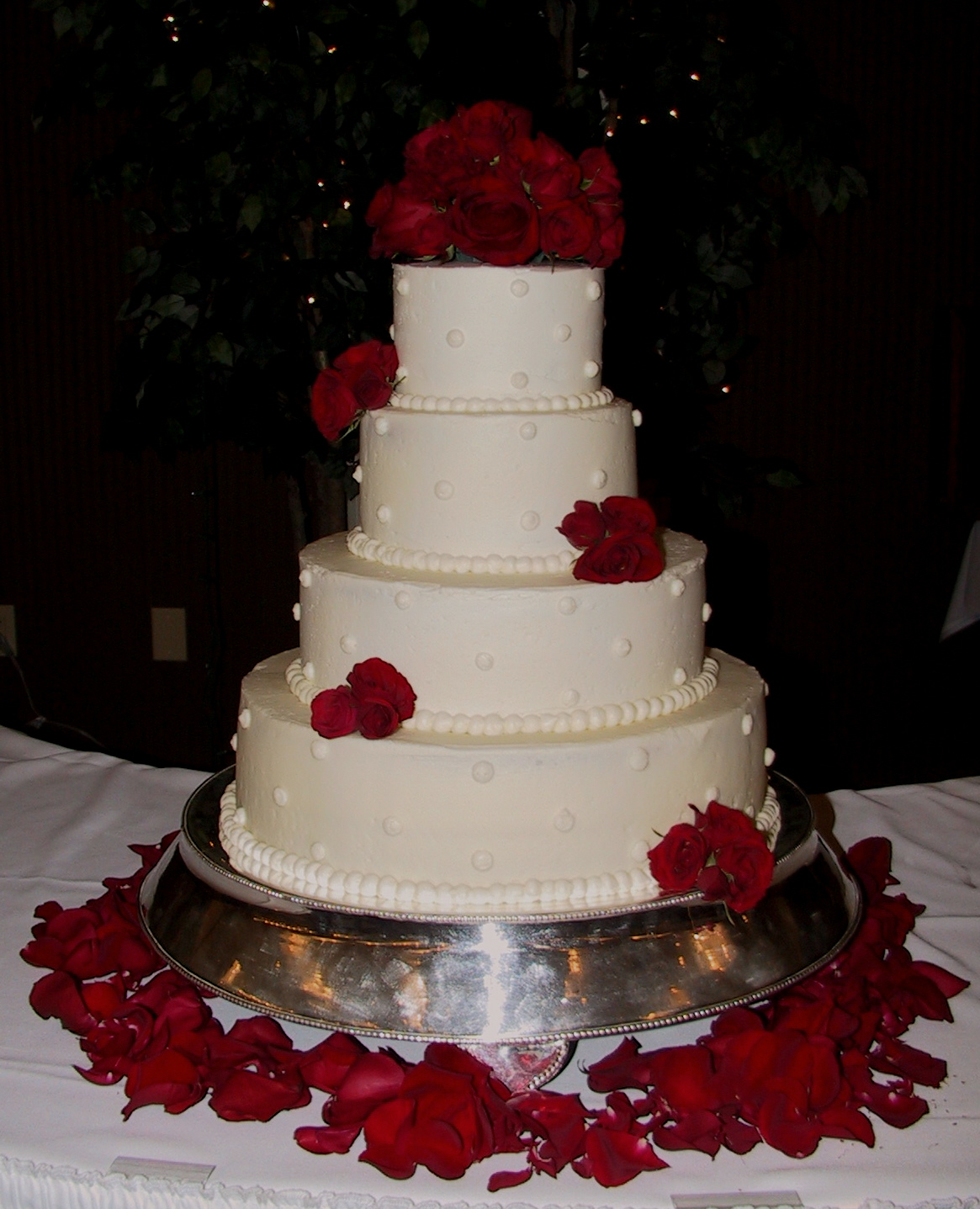 White Wedding Cake with Fresh Red Roses Frankfort  KY   The Twisted     This