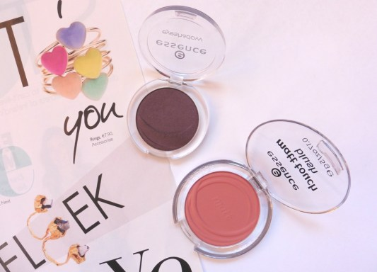 essence autumn winter mascara review essence nude palette review essence makeup review the two darlings