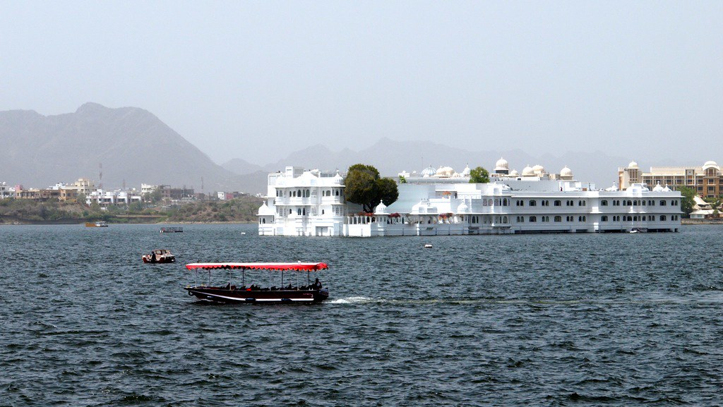 Read more about the article Lake Pichola | Udaipur