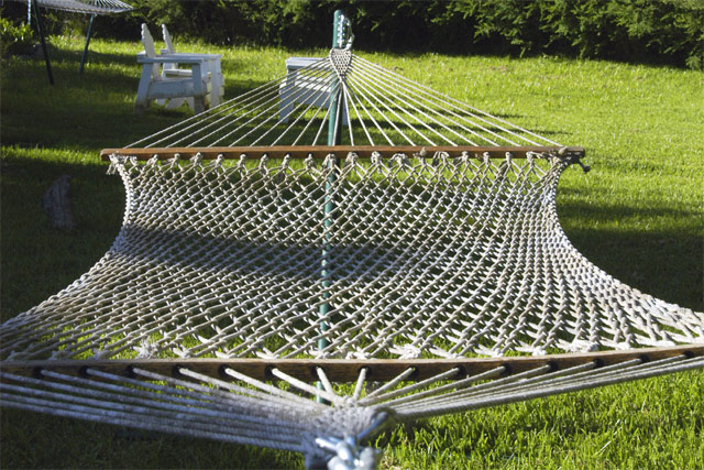 according to some sources river boat captain joshua ward is credited with inventing this woven rope hammock back in 1890s  by the time captain ward began     lawson blue ridge camping hammock review   the ultimate hang  rh   theultimatehang