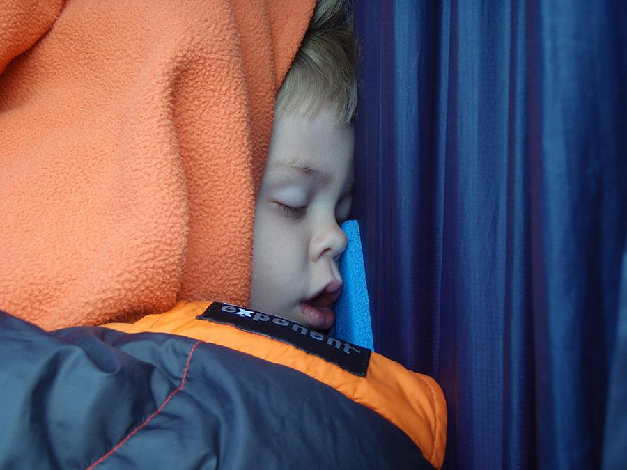 kids-sleep-with-pad