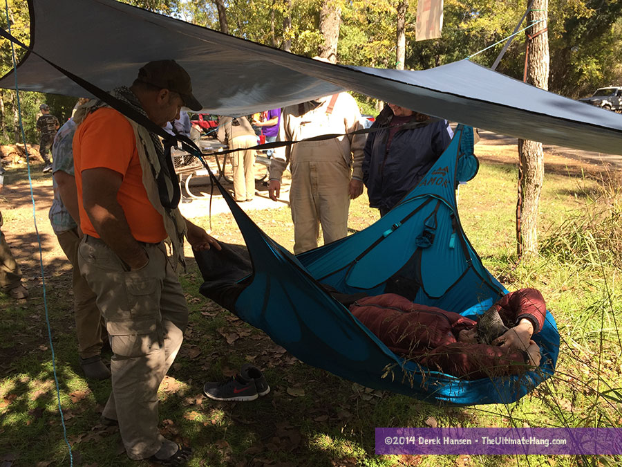 Checking out the Amok Draumr hammock