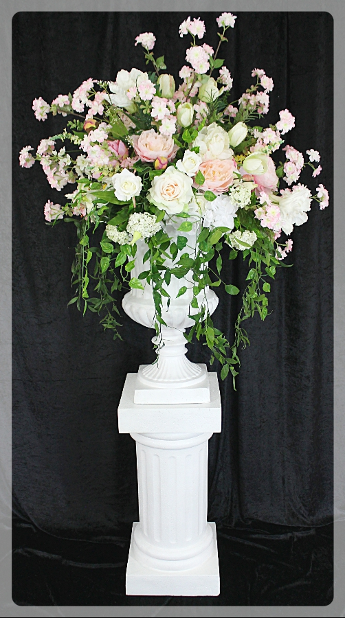 Pedestals And Planters Rentals Stand Rentals Toronto Gta The Ultimate Wedding Project