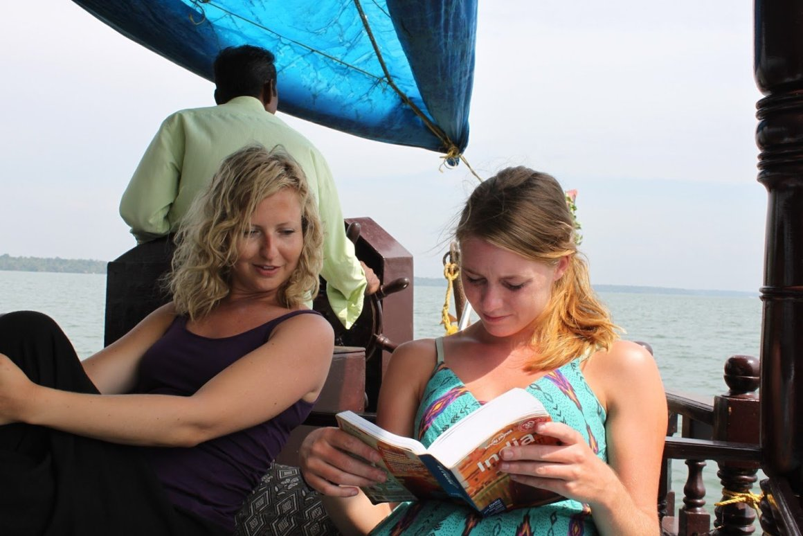 lonely planet guides make great last minute gift guide for travelers