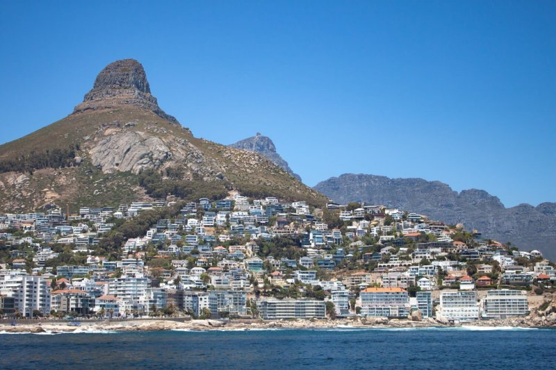 How to find rental apartment in Cape Town cover image of houses below Lion's Head