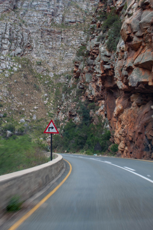 Meiringspoort Pass sharp turn sign