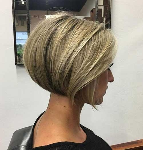 Blunt-Short-Bob Blonde Short Hair Ideas for Ladies