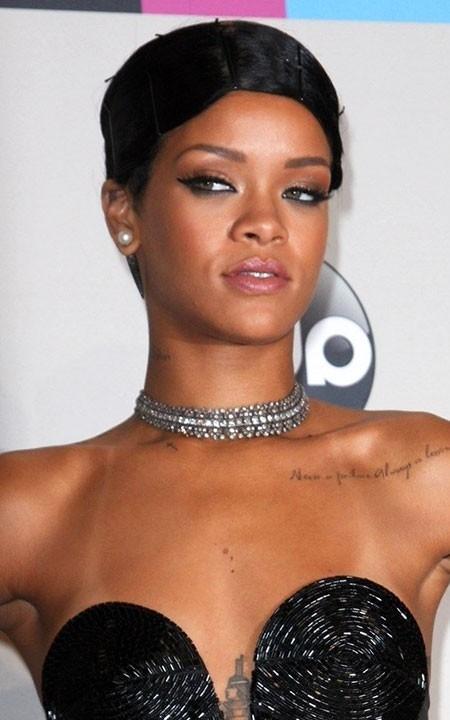Bold Hairstyle of Rihanna