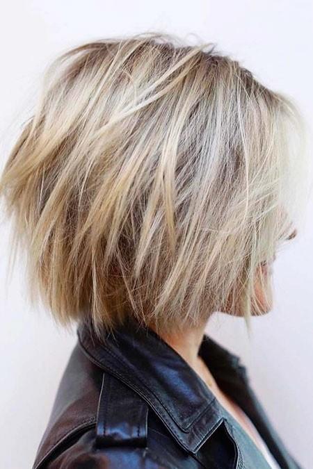 Choppy-Bob-Hair New Short Layered Hairstyles 2018