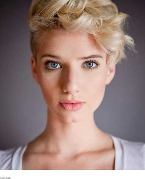 Curly-Blonde-Pixie-Cut Cute Girls Choice: Short Haircuts