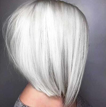 Gorgeous-Grey-Bob-Haircut New Short Straight Hairstyles 2018