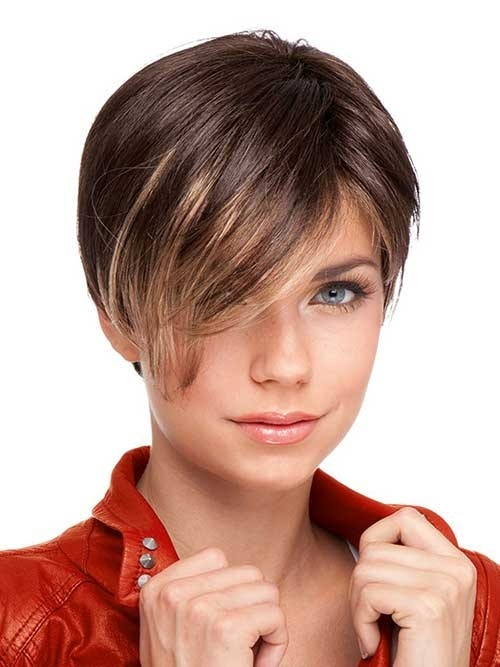 Highlighted-Bangs Long Pixie Haircuts You Should See