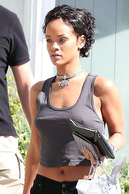 Rihanna-Short-Curly-Hair Best Rihanna Short Hairstyles