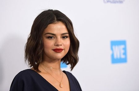 Selena-Gomez-Short-Hair-15 New Selena Gomez Short Hair
