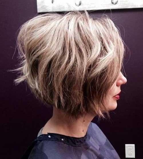 Short-Inverted-Bob-Wavy-Hair Splendid Layered Short Haircuts for Ladies