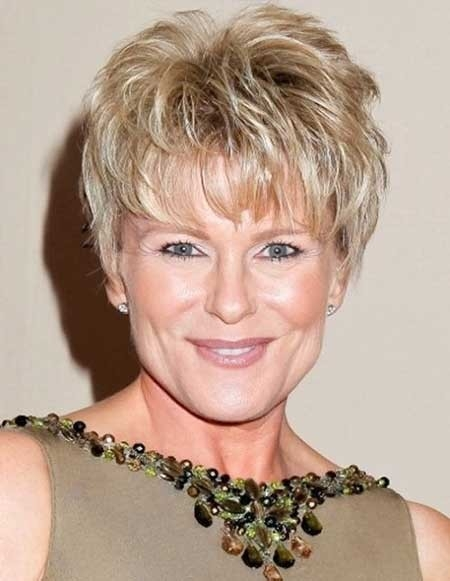 Short-Layered-Haircut-for-Older-Women Best Short Haircuts for Older Women