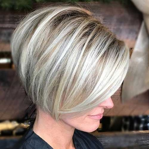 Short-Stacked-Bob Chic Short Bob Haircuts for 2018