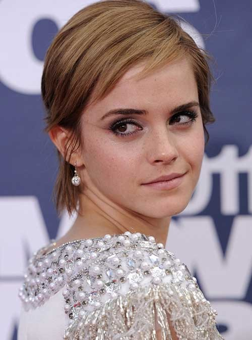 Emma-Watson-Pixie-Hairstyle-with-Razored-Bangs Best Short Haircuts for Straight Fine Hair