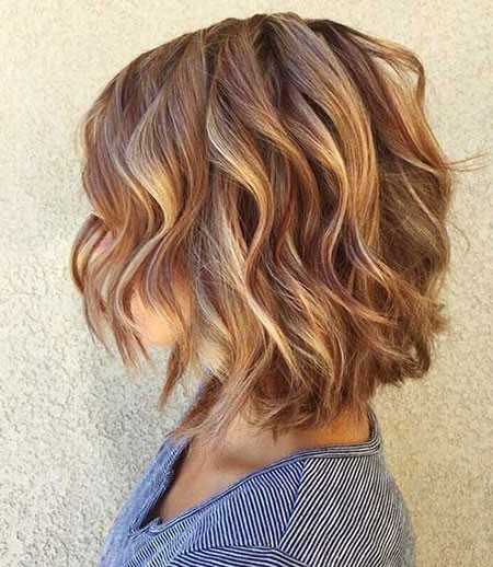 Hair-Highlighting Short Layered Wavy Hairstyles