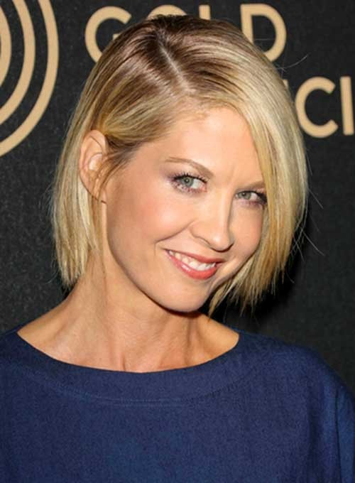 Jenna-Elfman-Blonde-Straight-Fine-Hair Best Short Haircuts for Straight Fine Hair