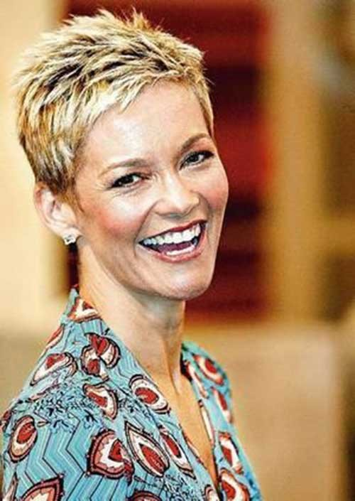 Jessica-Rowe-Layered-Short-Pixie Beautiful Layered Short Haircuts for Ladies