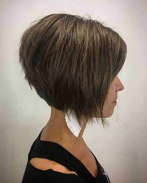 Layered-Short-Bob Best Short Haircuts You will Want to Try