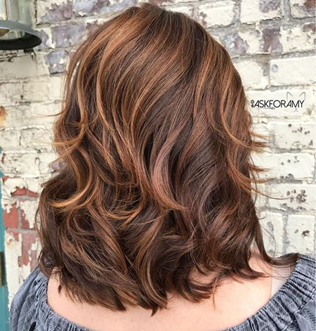 Layered-Womens-Haircuts Short Layered Wavy Hairstyles