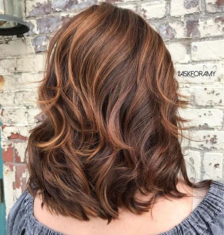 Layered-Womens-Haircuts Short Layered Wavy Hairstyles