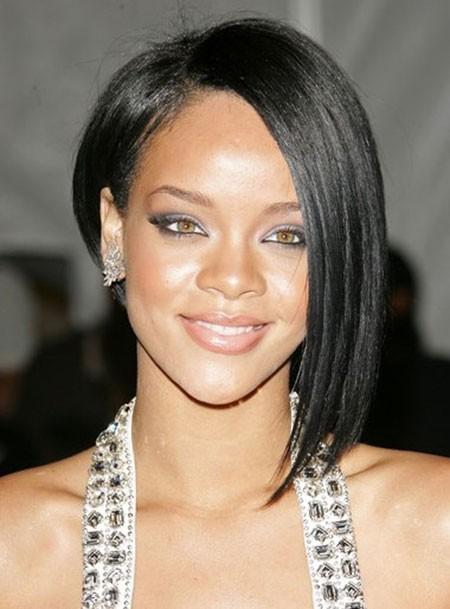 Rihanna-Fabulous-Asymmetric-Bob-Haircut Best Asymmetrical Bob Hairstyles
