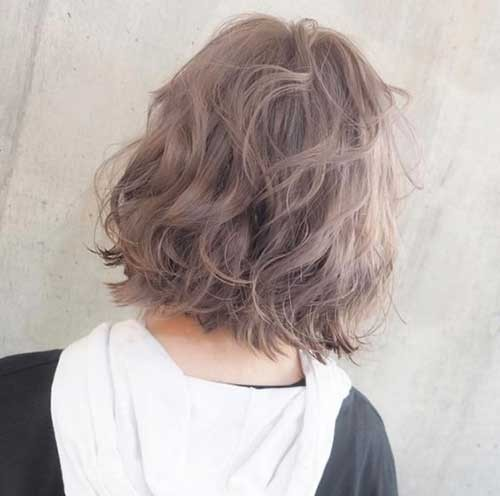 Silver-Long-Bob Best Short Haircuts You will Want to Try