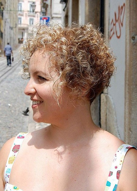 Very-Short-Curly-Haircut-for-Women Short Natural Curly Hairstyles